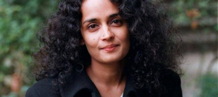 Арундати Рој